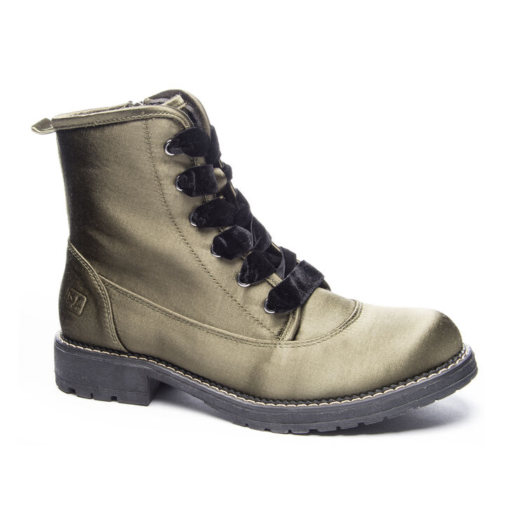 Chinese Laundry Rosario Boots in Olive