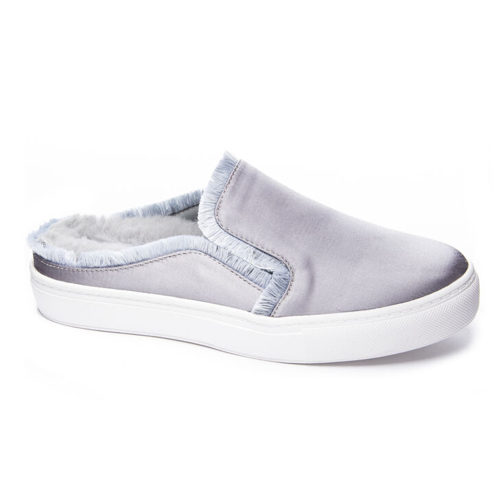 Chinese Laundry Miss Jaxon Sneakers in Silver