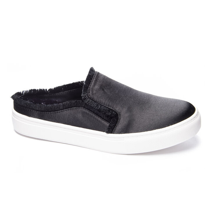 Chinese Laundry Miss Jaxon Sneakers in Black