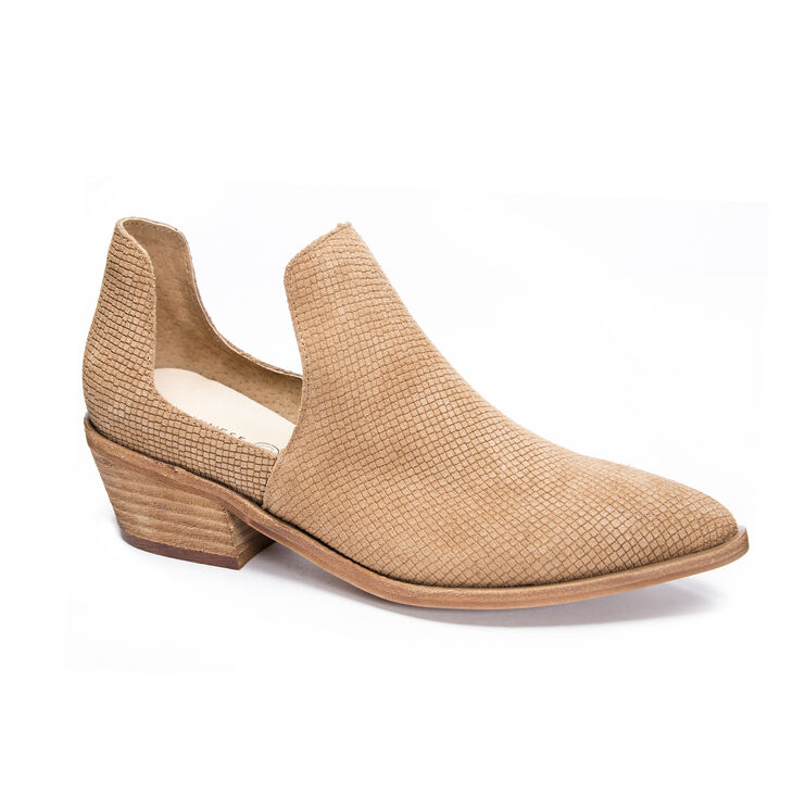 Chinese Laundry Focus Boots in Camel