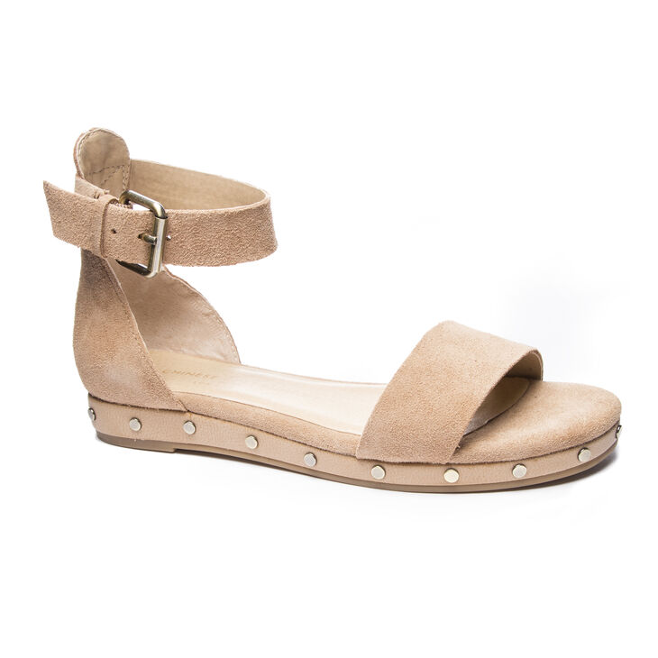 Chinese Laundry Grady Sandals in Camel