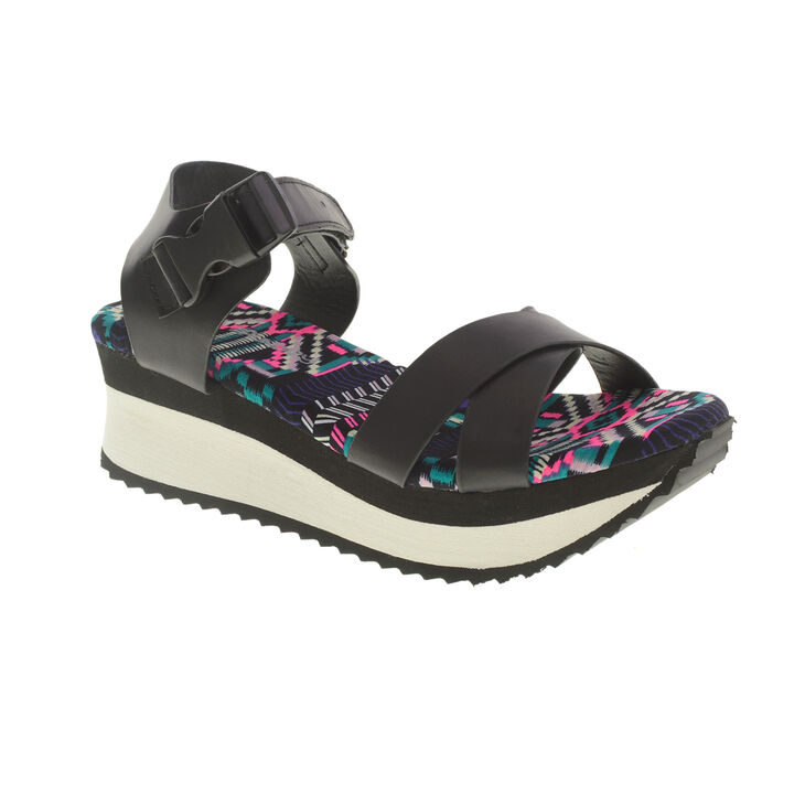 Chinese Laundry Ginger Ale Sandals in Black