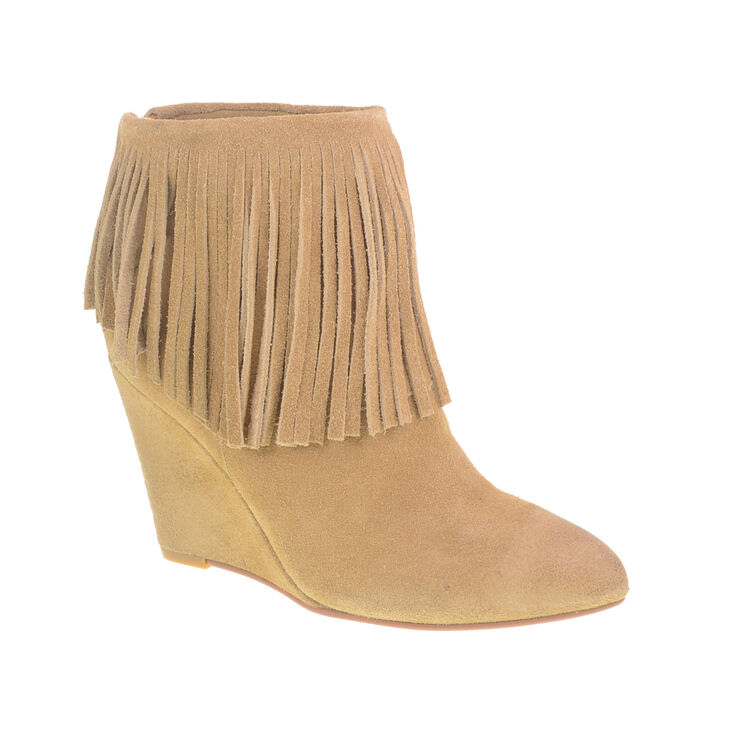 Chinese Laundry Arctic Boots in Camel