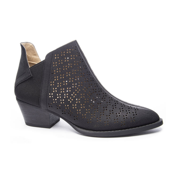 Chinese Laundry Cambria Boots in Black/black