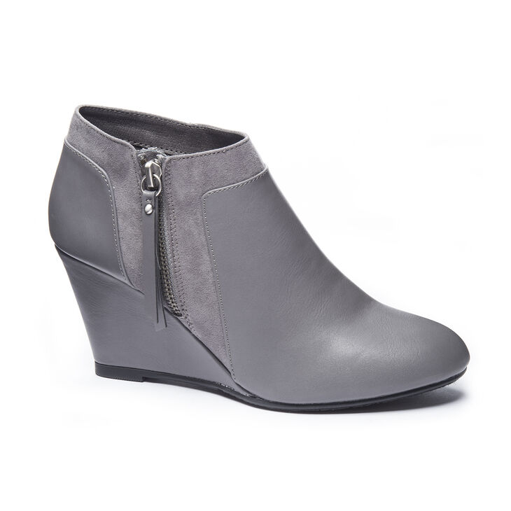 Chinese Laundry Vania Shooties in Charcoal