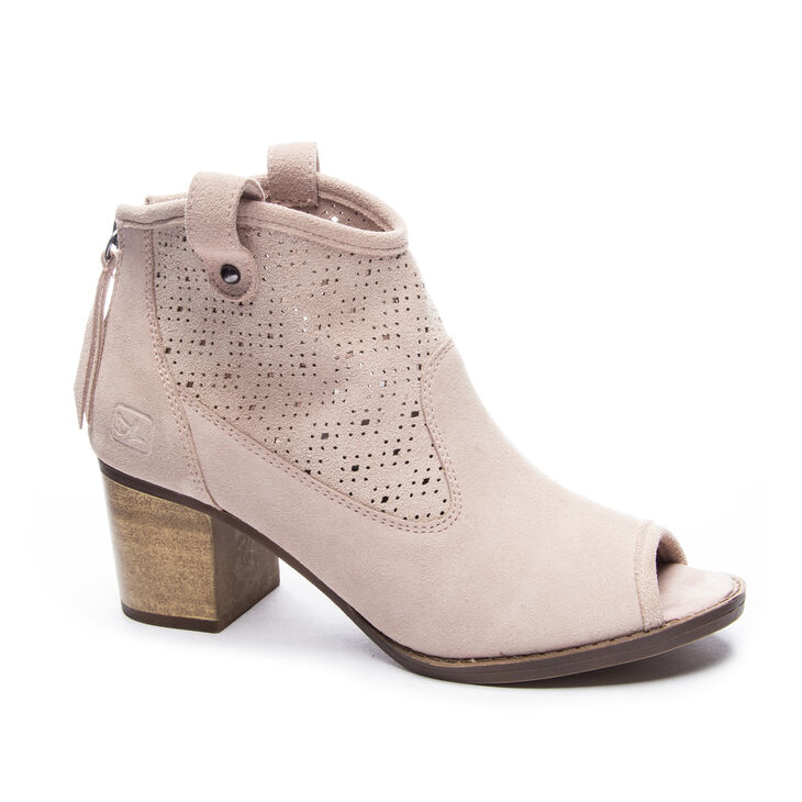 Chinese Laundry Trixie Boots in Vintage Rose
