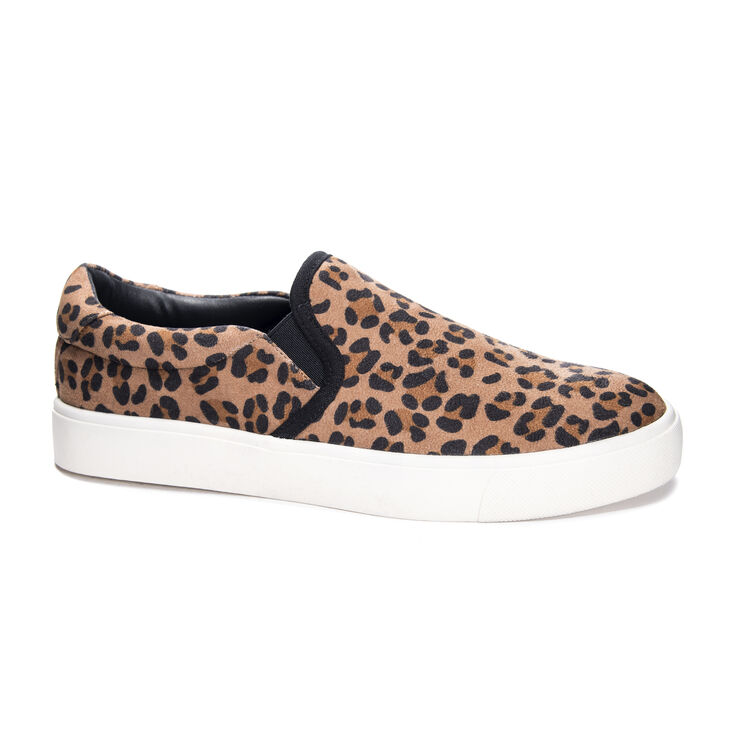 Chinese Laundry Emory Sneakers in Dktan