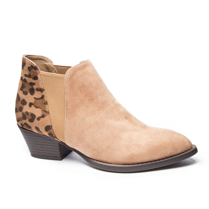 Chinese Laundry Corbin Boots in Dk Camel/camel