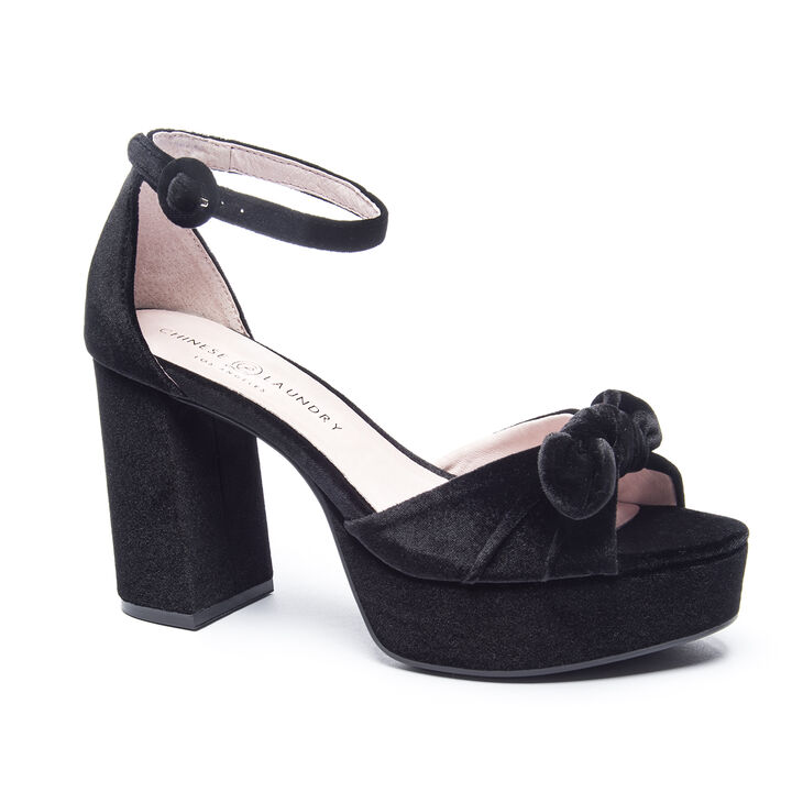Chinese Laundry Tina Sandals in Black