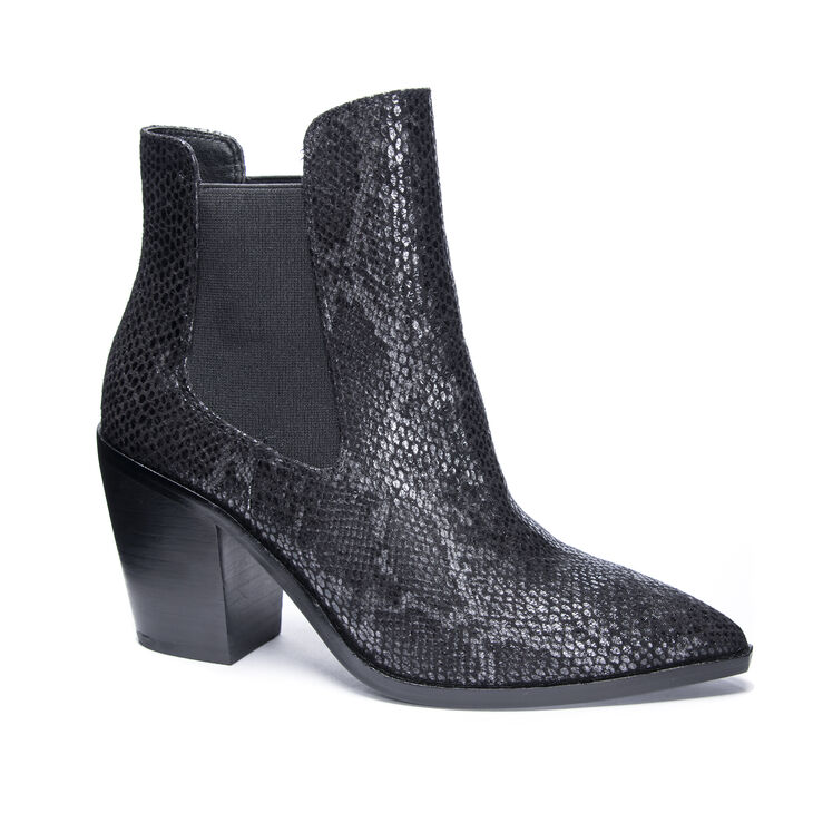 Chinese Laundry Utah Boots in Black