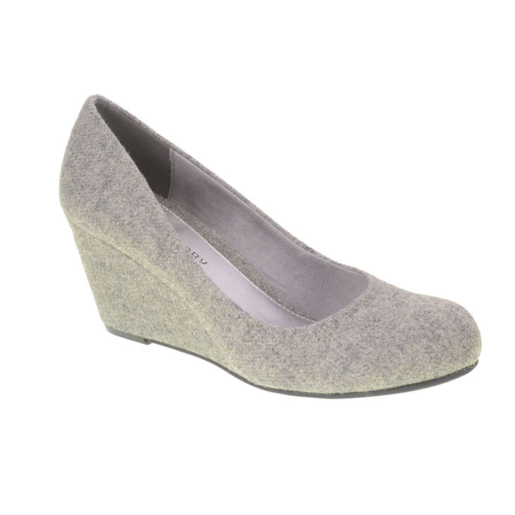 Chinese Laundry Nima Pumps in Grey