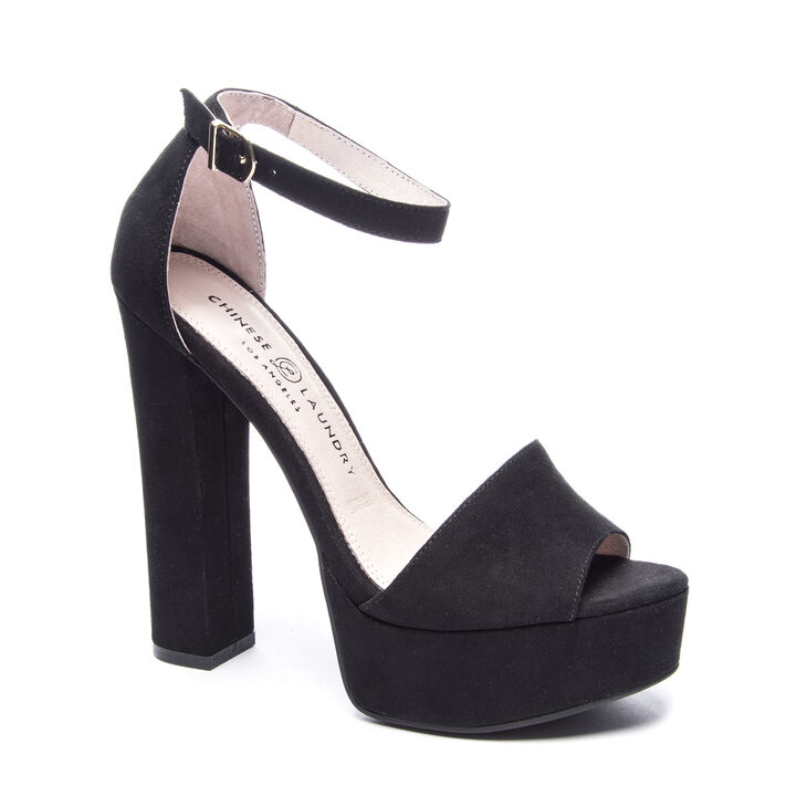 Chinese Laundry Avenue Sandals in Black