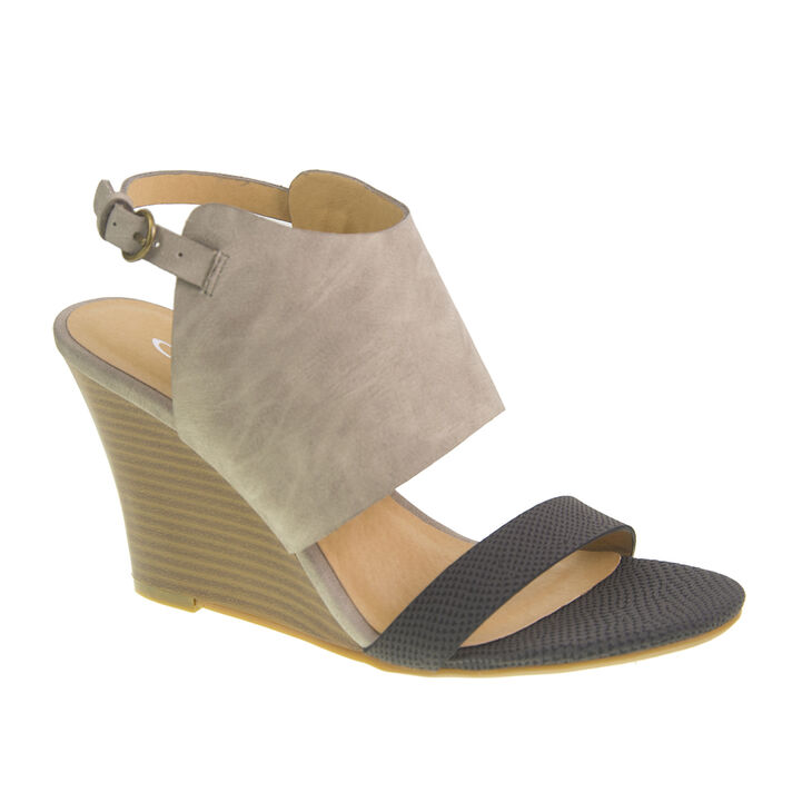 Chinese Laundry Baja Sandals in Black/grey