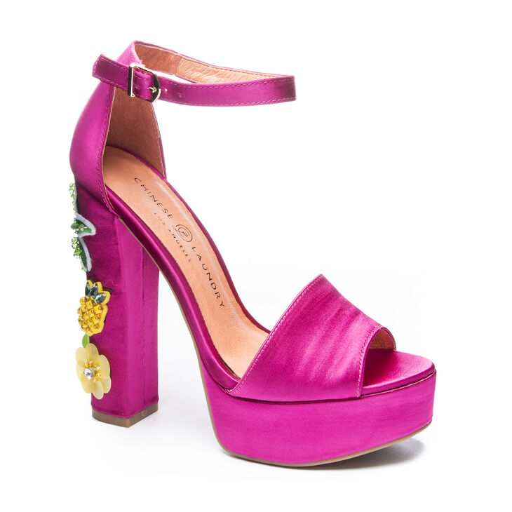 Chinese Laundry Aloha T-Strap Sandals in Hot Pink Size 10.0
