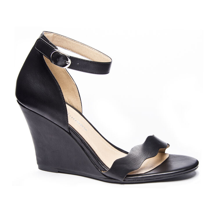 Chinese Laundry Best Match Sandals in Black