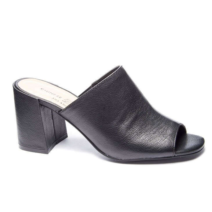 Chinese Laundry Sammy Sandals in Black