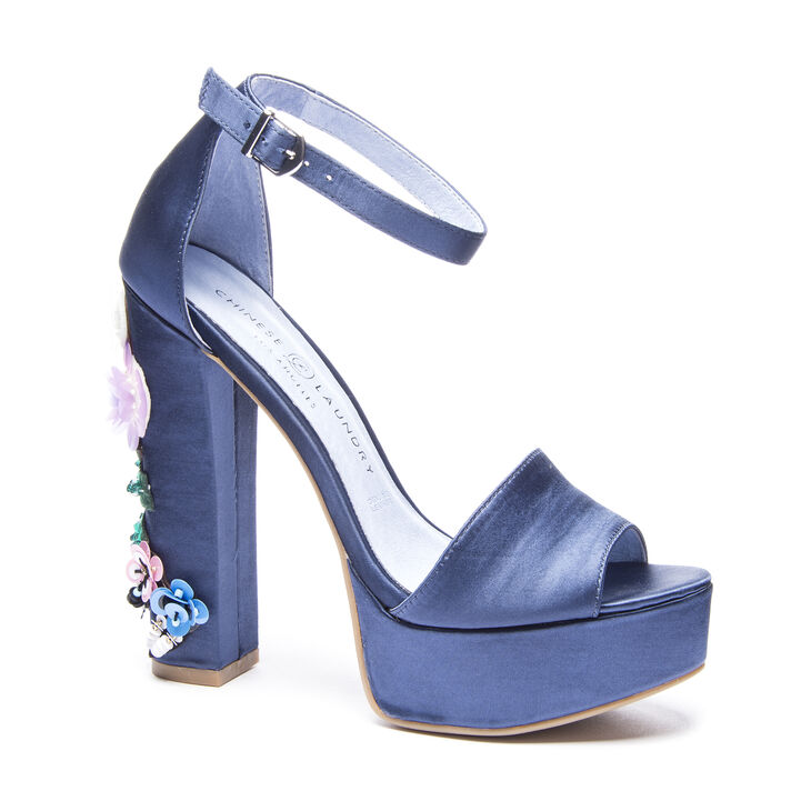 Chinese Laundry Aloha T-Strap Sandals in Navy