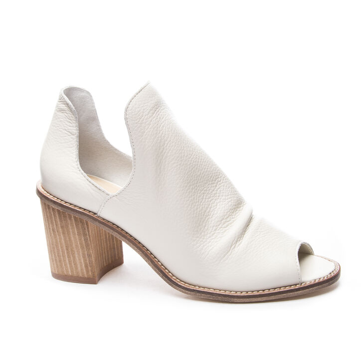 Chinese Laundry Carlita Booties Sandals in White