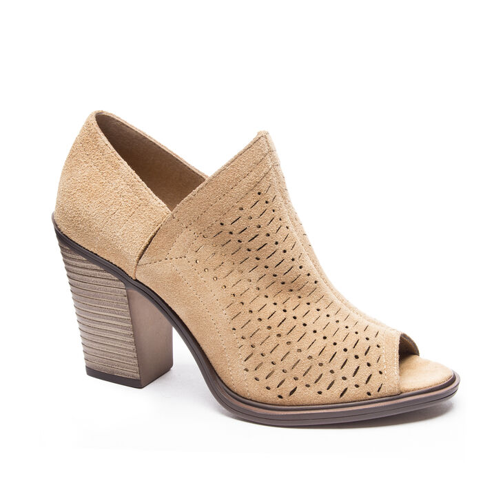 Chinese Laundry Aida Shooties in Camel