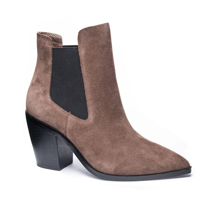 Chinese Laundry Utah Boots in Oakbrown